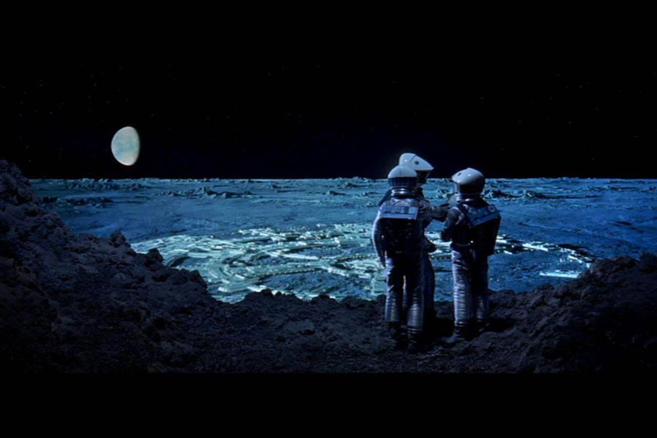 2001-Clavius-Astronauts